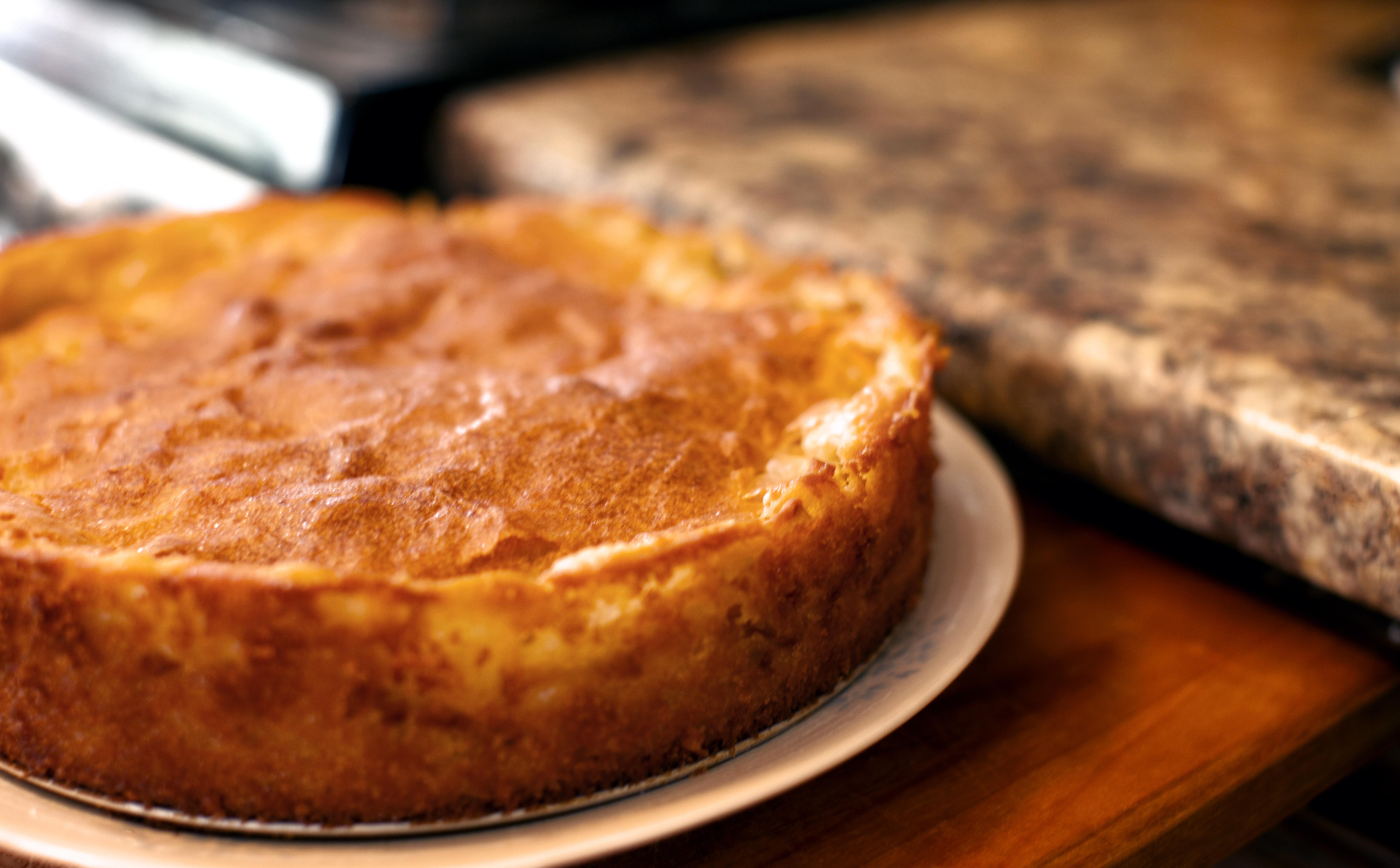 French Apple Cake | Mommalatteskitchen